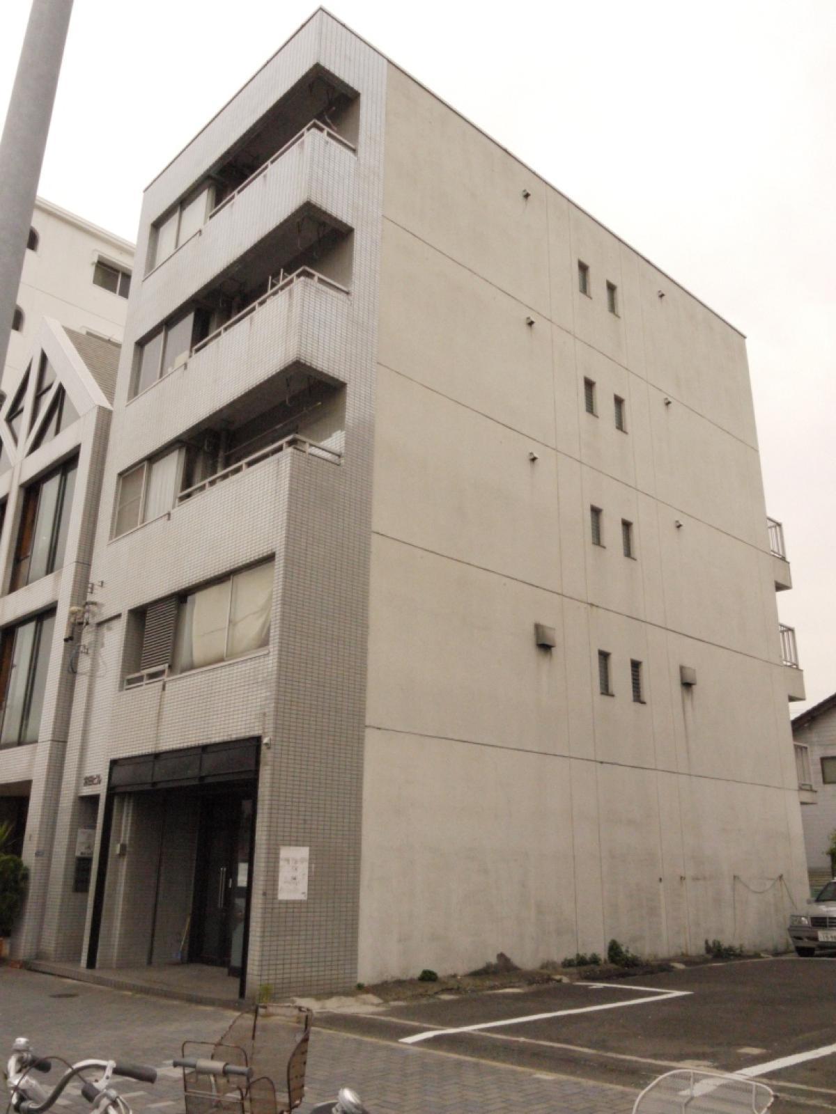 宮田ビル 1階