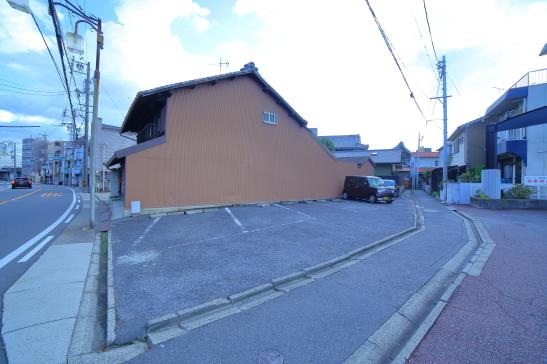 川名駐車場
