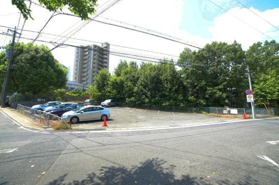高峯町駐車場